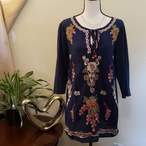 Cristina blue floral top with side pockets